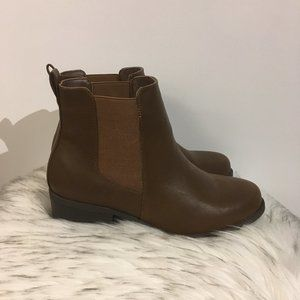 NWT Torrid Brown Faux Leather Chelsea Boots